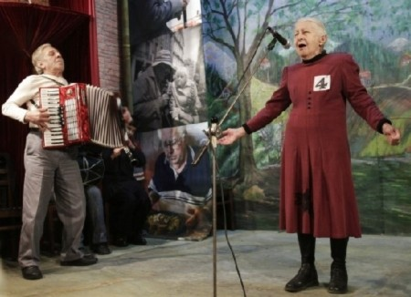 Độc đáo cuộc thi tài năng cho các cụ già ở Gruzia