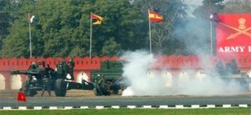 Quân đội Ấn Độ phô diễn sức mạnh