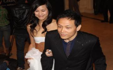 Quang Hải chỉ đạo Phương Mai diễn thời trang