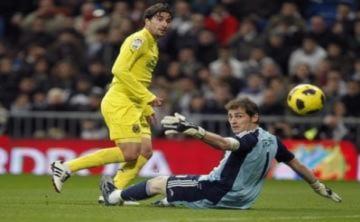 Siêu phẩm lốp bóng của Beckham được tái hiện ở Liga