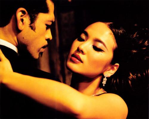 Song Hye Kyo quyến rũ đầy khác lạ