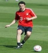 Thủ quân Bayern gia nhập AC Milan