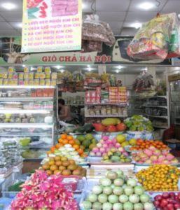 Thực phẩm Bắc hối hả vào Nam đón Tết