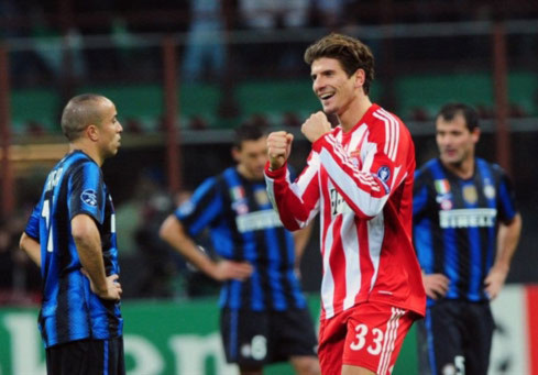 Chín tháng sau thất bại cay đắng ở chung kết Champions League, Bayern đã có màn trả hận ngọt ngào trước Inter. Ảnh: AFP.