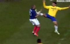 Các cú kungfu tai tiếng trong bóng đá