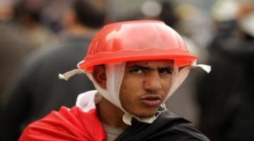Các kiểu mũ bảo hiểm của người biểu tình Ai Cập