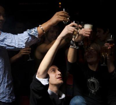 Cấm kỵ không xem ti vi sau khi uống rượu
