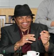 Cha Michael Jackson đến VN đầu tư khách sạn 5 sao