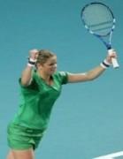 Clijsters và Kvitova vào chung kết Paris mở rộng