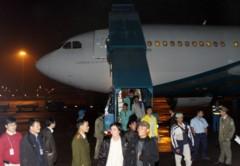 Có thể thuê máy bay quân sự đưa lao động Việt Nam về nước
