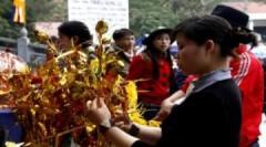 Dịch vụ hốt bạc ở hội chùa Hương