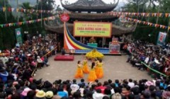Du khách nườm nượp trảy hội chùa Hương