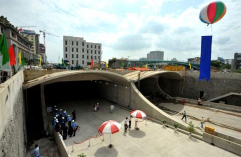 Hà Nội nghiên cứu hầm đường bộ vượt sông Hồng
