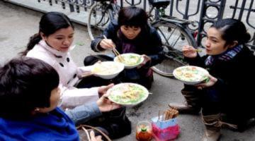 Hàng ăn 'chém' khách ngày Tết