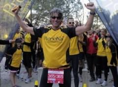 Hoàn thành 365 cuộc chạy marathon trong 365 ngày