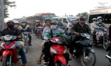 Kẹt xe nhiều giờ trên quốc lộ 1A qua tỉnh Tiền Giang