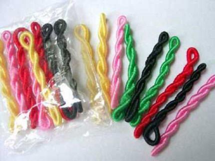 Kinh hoàng dây buộc tóc làm từ bao cao su cũ