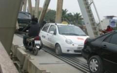 Lập dự án xây 9 cầu mới tách đường sắt khỏi đường bộ