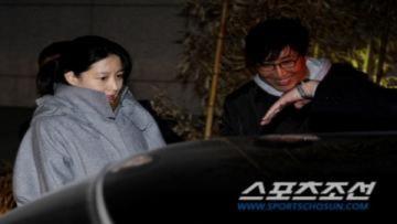 Lee Young Ae nghỉ ngơi tại bệnh viện '7 sao'