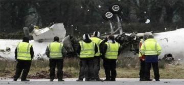 Máy bay rơi sau 3 lần hạ cánh, 6 người chết