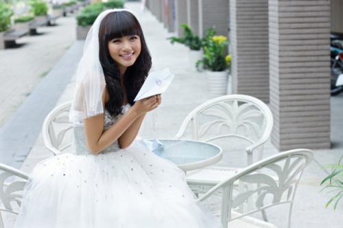 Như Thảo 'yêu và cưới' Minh Vương