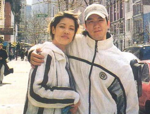 Đôi uyên ương một thời của làng nhạc Việt những năm 1990 - Thu Phương & Huy MC. Ảnh: st.