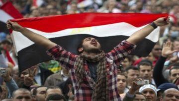Quân đội Ai Cập ra tay, chính quyền chao đảo