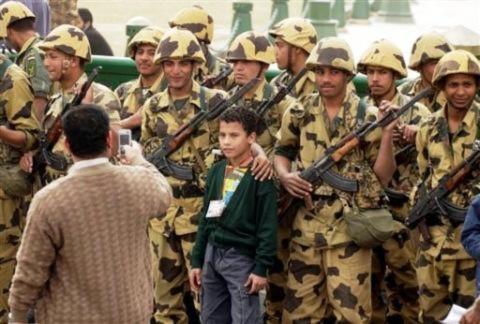 Quân đội Ai Cập tạ lỗi về việc sử dụng vũ lực đối với người biểu tình