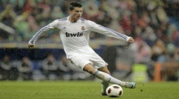 'Real sẽ phục hận Lyon'