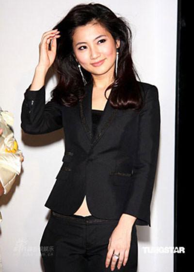 Selina Ren từng là thành viên xinh đẹp nhất của nhóm SHE (Đài Loan).