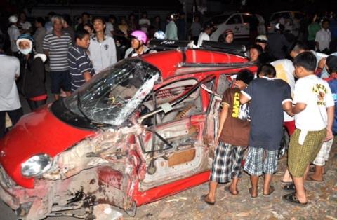 Hiện trường vụ tai nạn tại cầu Ghềnh (Đồng Nai).