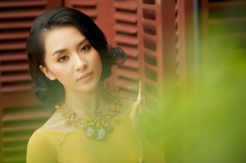 Kỳ nghỉ đông và Giáng Sinh 2010 vừa qua, cô sắp xếp thời gian từ Mỹ về nghỉ lễ bên gia đình và góp mặt tại một vài hoạt động thời trang tại TP HCM.