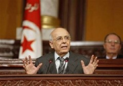 Thủ tướng Tunisia từ chức, phe chống đối Libya lập chính phủ chuyển tiếp