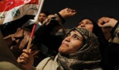 Trung Đông vui buồn lẫn lộn vì Mubarak từ chức