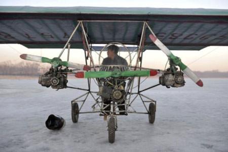 Trung Quốc: Máy bay chế từ vật liệu phế thải lần đầu cất cánh