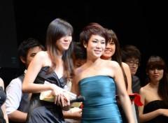 Uyên Linh được yêu mến tại Singapore