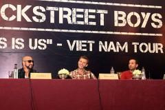 Backstreet Boys ấn tượng vì quá nhiều xe máy