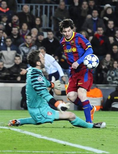 Messi đã làm người xem bất ngờ bằng pha xử lý mở tỷ số cho Barca.