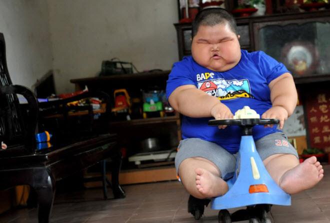 Thừa cân khiến Lu Hao di chuyển rất khó khăn