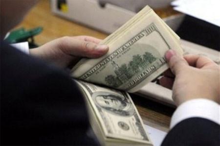 Chưa phát hiện ngân hàng găm giữ USD