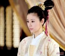 """""""Công chúa"""" Lâm Tâm Như khoe trang phục siêu đắt đỏ"""