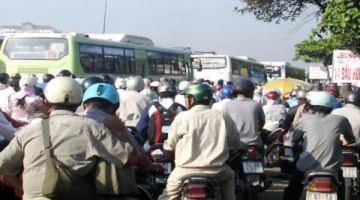 Cửa ngõ Sài Gòn 'nóng' vì tắc đường