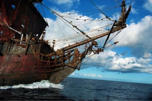 Cướp biển Caribê hé mở clip đầy mãn nhãn