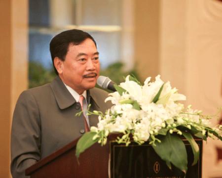 Ông Huỳnh Bửu Sơn phát biểu tại diễn đàn CEO sáng 9/8. Ảnh: Nguyễn Khánh