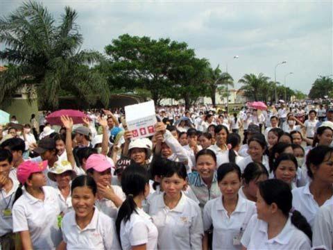 Hàng ngàn công nhân đình công tại Hà Nội