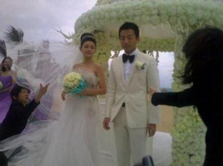 Hình ảnh nóng hổi từ đám cưới của Từ Hy Viên