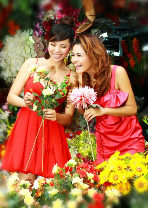 Kiều nữ Việt dập dìu shop hoa trước ngày 8/3