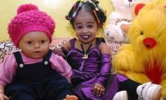 Kỷ lục thế giới: Ước mơ của cô gái nhỏ nhất thế giới