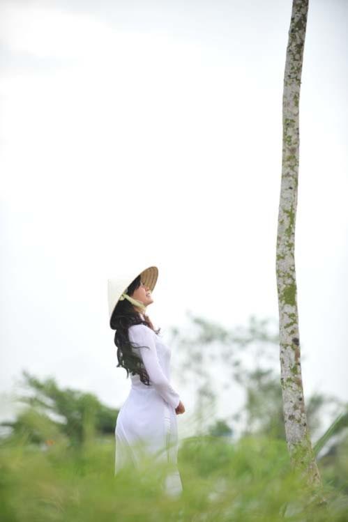 Miss Teen Diễm Trang đằm thắm với áo dài