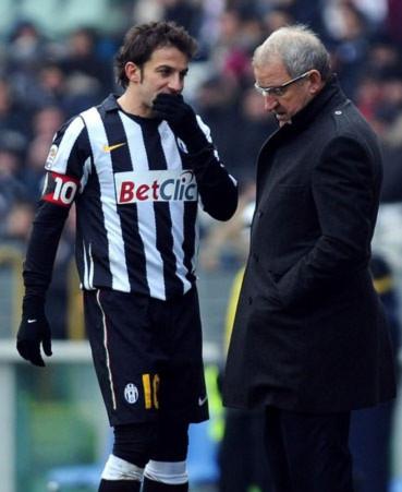 Juventus của Del Neri, dù được đầu tư lớn, vẫn chơi tệ như Juventus dưới thời Ferrara mùa trước.